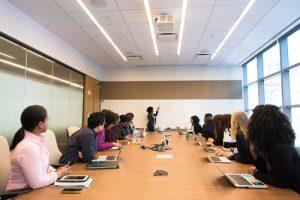 peredam suara ruang meeting